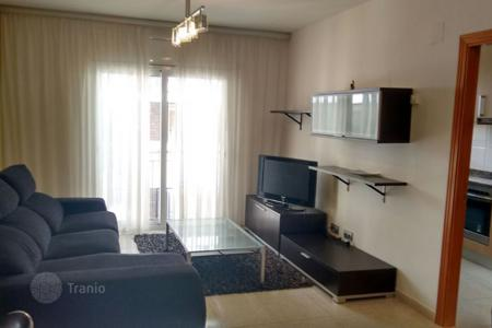 Cheap 4 bedroom apartments for sale in Catalonia. Penthouse with 4 bedrooms
