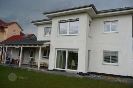 Houses for sale in Bavaria. New spacious house in Niederlauer