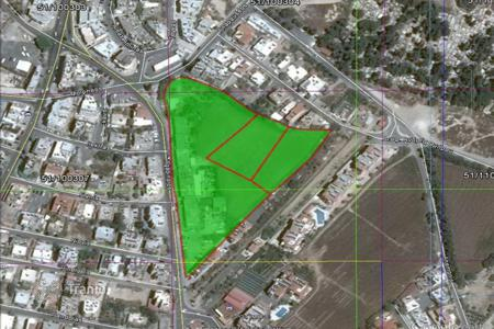 Supermarkets for sale in Cyprus. Land with commercial building for sale in Kato Paphos