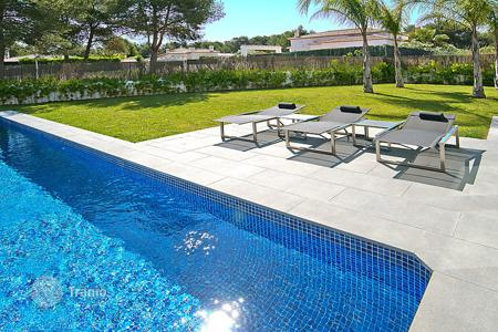 4 bedroom villas and houses to rent in Costa Blanca. Detached house – Javea (Xabia), Valencia, Spain