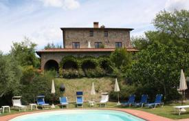 Property for sale in Monteleone D'orvieto. Three-storey stone villa with a pool in Monteleone d'Orvieto, Umbria, Italy