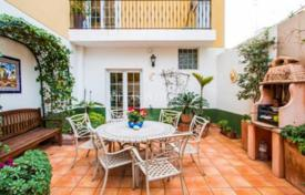 Cheap townhouses for sale in Alicante. Terraced house – Javea (Xabia), Valencia, Spain