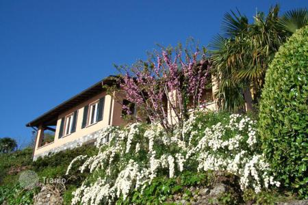 Luxury 4 bedroom houses for sale in Lombardy. Villa with stunning view of Bellagio, Italy