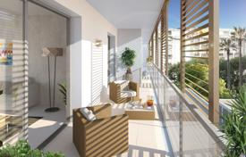 New homes for sale in Provence - Alpes - Cote d'Azur. Stylish apartment in a new residential complex, 5 minutes walk from the old town of Nice, near the beach, Côte d'Azur, France