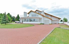 Residential for sale in Psáry. Spacious house with a swimming pool, a fitness room and a garage, Psary, Czech Republic