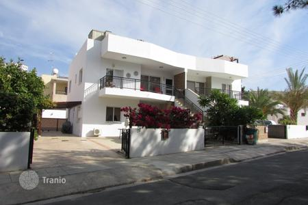 2 bedroom apartments for sale in Yeroskipou. 2 Bed Ground Floor with Private Swimming Pool