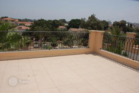 Coastal houses for sale in Center District. Townhome – Netanya, Center District, Israel