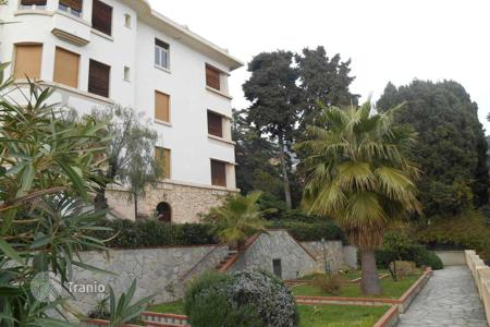 Apartments for sale in Alassio. Two bedroom apartment with garden and sea views, close to the sandy beach, Alassio, Liguria, Italy