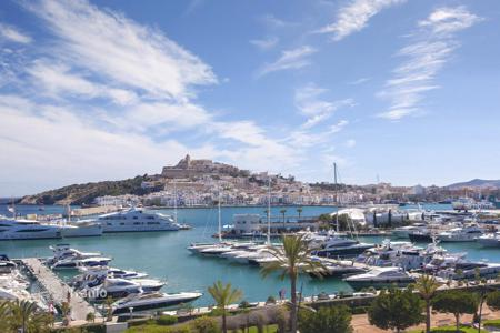 4 bedroom apartments by the sea for sale in Spain. Penthouse – Balearic Islands, Spain