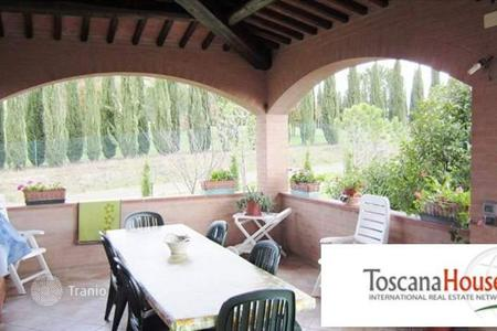 Luxury 3 bedroom houses for sale in Siena. Villa - Siena, Tuscany, Italy