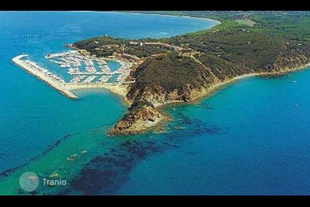 1 bedroom apartments by the sea for sale in Punta Ala. Apartment - Punta Ala, Tuscany, Italy