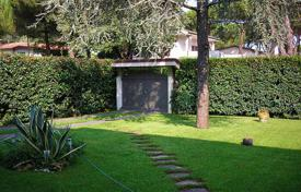 3 bedroom villas and houses by the sea to rent in Tuscany. Villa – Forte dei Marmi, Tuscany, Italy