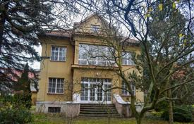 5 bedroom houses for sale in Prague. A villa or a sale in Prague 6