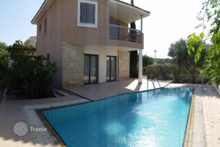 Houses with pools for sale in Konia. 2 bedroom Villa in Konia