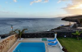 Villa – Lanzarote, Canary Islands, Spain for 2,840 € per week
