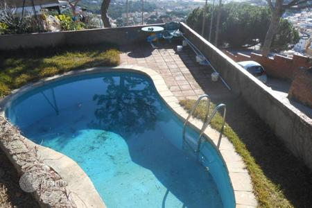 Residential for sale in Premià de Dalt. House for sale in Premia de Dalt. There are a garden with a pool. Big terrace with beuatiful sea views! 7 minutes from the city center