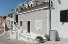 Traditional townhouse 2 minutes walk to the beach, Carvoeiro for 412,000 $