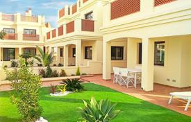 Cheap 3 bedroom apartments for sale in Spain. Apartments with private garden on first line in La Serena Golf, Los Alcázares