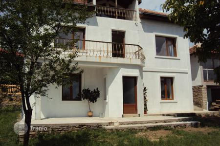 Cheap residential for sale in Veliko Tarnovo. Townhome – Veliko Tarnovo (city), Veliko Tarnovo, Bulgaria