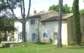 Residential for sale in Saint-Cannat. Detached house – Saint-Cannat, Bouches-du-Rhône, Provence — Alpes — Cote d'Azur, France