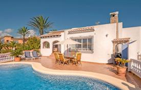 Beautiful villa with a swimming pool, lounges and a garage, Benitachell, Spain for 525,000 €