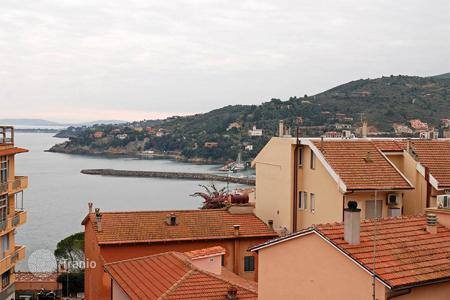 3 bedroom apartments for sale in Tuscany. Attractive apartment recently renovated for sale in Tuscany, Monte Argentario