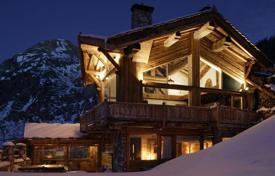 6 bedroom villas and houses to rent in Val d'Isere. Chalet – Val d'Isere, Auvergne-Rhône-Alpes, France