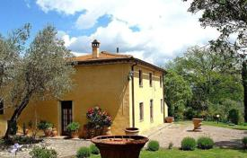 Traditional three-storey villa with a pool in San Gimignano, Tuscany, Italy for 1,200,000 €
