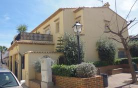 Cheap townhouses for sale in Costa Blanca. Terraced house – Alicante, Valencia, Spain