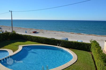 Coastal penthouses for sale in Spain. Penthouse – Denia, Valencia, Spain