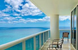 Two-bedroom flat with ocean views in a residence on the first line of the beach, Hallandale Beach, Florida, USA for $814,000