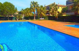 3 bedroom apartments by the sea for sale in Catalonia. Apartment – Castell Platja d'Aro, Catalonia, Spain