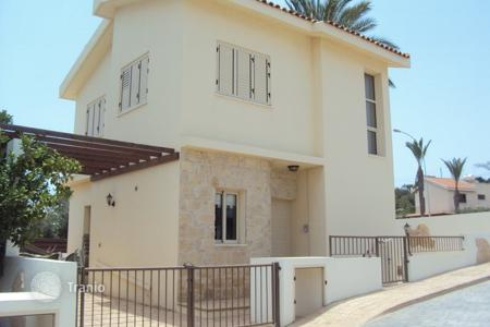 2 bedroom houses by the sea for sale in Famagusta. Lovely 2 bedroom House in Protaras with Title Deeds