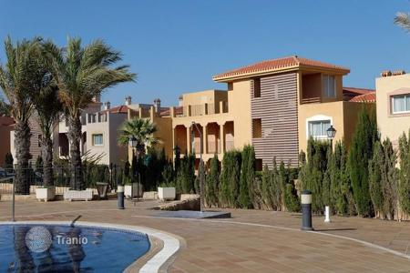 Cheap property for sale in Murcia (city). 1, 2 and 3 bedroom apartments with communal pool, SPA, tennis court in the golf resort La Manga Club