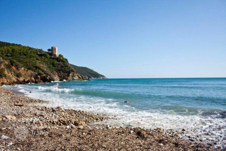 Houses with pools by the sea for sale in Grosseto (city). Villa – Grosseto (city), Province of Grosseto, Tuscany,  Italy