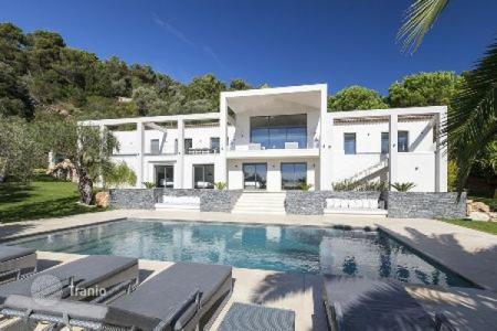 Luxury 6 bedroom houses for sale in Villefranche-sur-Mer. Villa – Villefranche-sur-Mer, Côte d'Azur (French Riviera), France