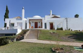 3 bedroom houses for sale in Faro. Detached villa with 6 bedrooms, pool and sea views, near Tavira