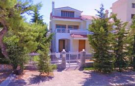 Beautiful villa with a large swimming pool and a parking in the center of Voula, Greece for 1,500,000 €