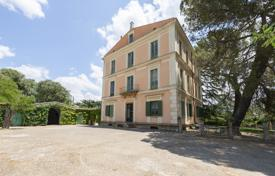 Charming estate with period villa in the wooded setting of Piazza Armerina. Price on request
