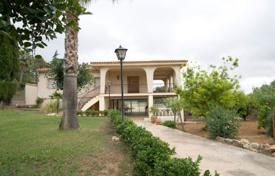 Property for sale in Alginet. Beautiful two-storey villa with a large plot, Valencia, Spain