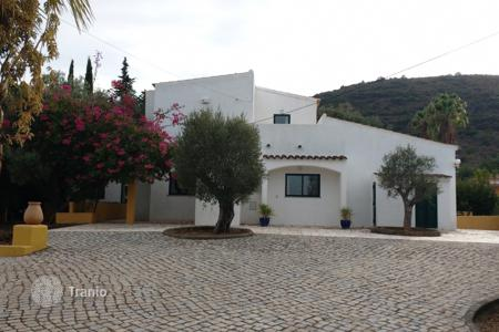 Residential for sale in Portugal. Villa – Moncarapacho, Faro, Portugal