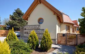 5 bedroom houses from developers for sale overseas. Detached house in a good condition on the northern shore of Lake Balaton near Hévíz-Keszthely