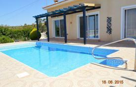 2 bedroom houses for sale in Paphos. 2 Bedroom Bungalow, Elevated Position, Title Deeds — Tsada