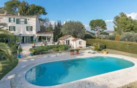 Houses with pools for sale in Mougins. Mougins — Panoramic view