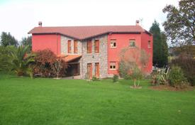 Property for sale in Asturias. Villa – Gijón, Asturias, Spain