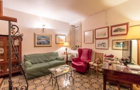 Comfortable apartment with a balcony in a historic building, Sicily, Italy for 350,000 €