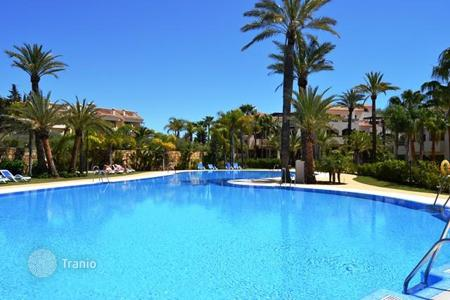 Residential for sale in Puerto Banús. Cosy apartment with a terrace, Puerto-Banus, Spain