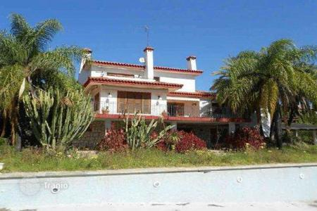 Foreclosed 5 bedroom houses for sale in Spain. Villa – Malaga, Andalusia, Spain
