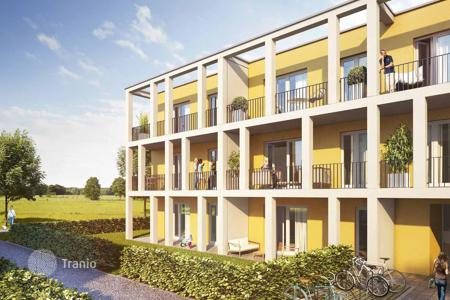 Apartments for sale in Bavaria. Three bedroom apartment in a new complex with parking and garden area near Munich in Vaterstetten