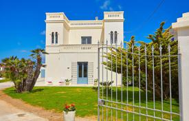 Two-storey villa with a swimming pool by the seaside, Marsala, Spain for 700,000 €